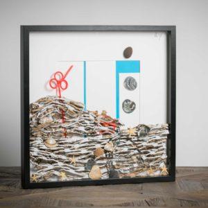 cannucce in onda – materiali cartone da imballaggio, conchiglie, cannuccia di plastica, stelle di mare - 50x50 cm