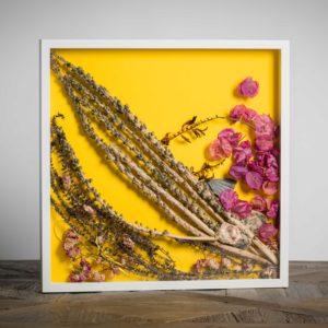 """""""Lei 2""""-materiali: steli di knipfofia, lavanda, bouganville di siviglia, conchiglie dell'atlantico, roselline - 50x50 cm"""