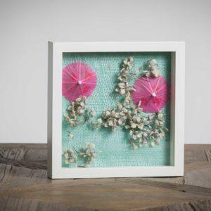 senza titolo - materiali: ombrellini di carta, ortensie, stoffa di iuta - 25x25 cm